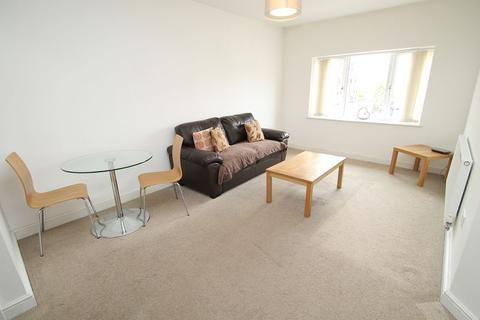 2 bedroom flat to rent - Ashfield Road, Sale, M33 7DT