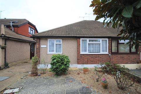 2 bedroom semi-detached bungalow for sale - Eastwood Drive, Rainham, RM13