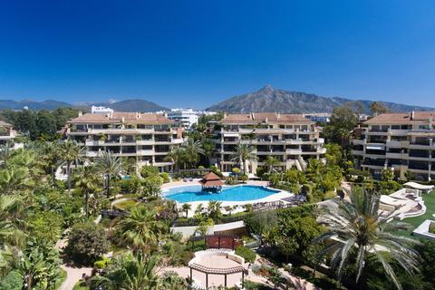 4 bedroom apartment  - Puerto Banus, Andalucia, Spain