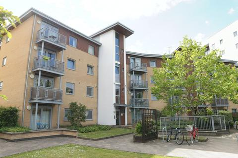 2 bedroom flat to rent - Kelvin Gate, Bracknell, RG12 2TN