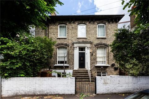 2 bedroom flat for sale - Grosvenor Park Road, Walthamstow, London