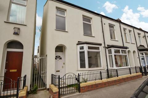 3 bedroom terraced house to rent - Gordon Street, Hull