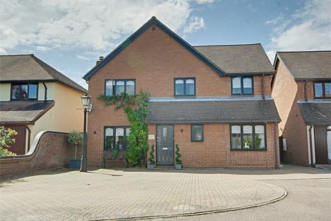 4 bedroom detached house for sale - Rossdene Gardens, Leaden Roding, Dunmow, Essex