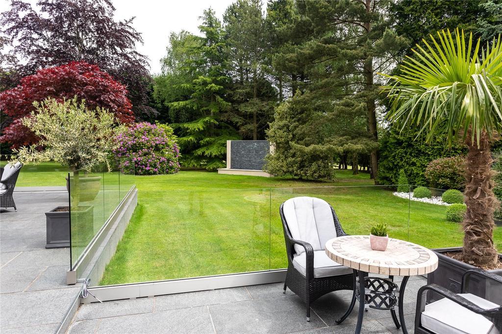 Terrace/Gardens