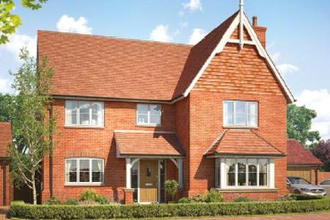 5 bedroom detached house for sale - Classic new home by Crest in Cranleigh