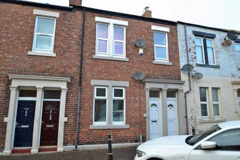 2 bedroom apartment - Seymour Street, North Shields