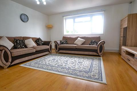 3 bedroom flat to rent - Nant Court, Granville Road, London, NW2 2LB