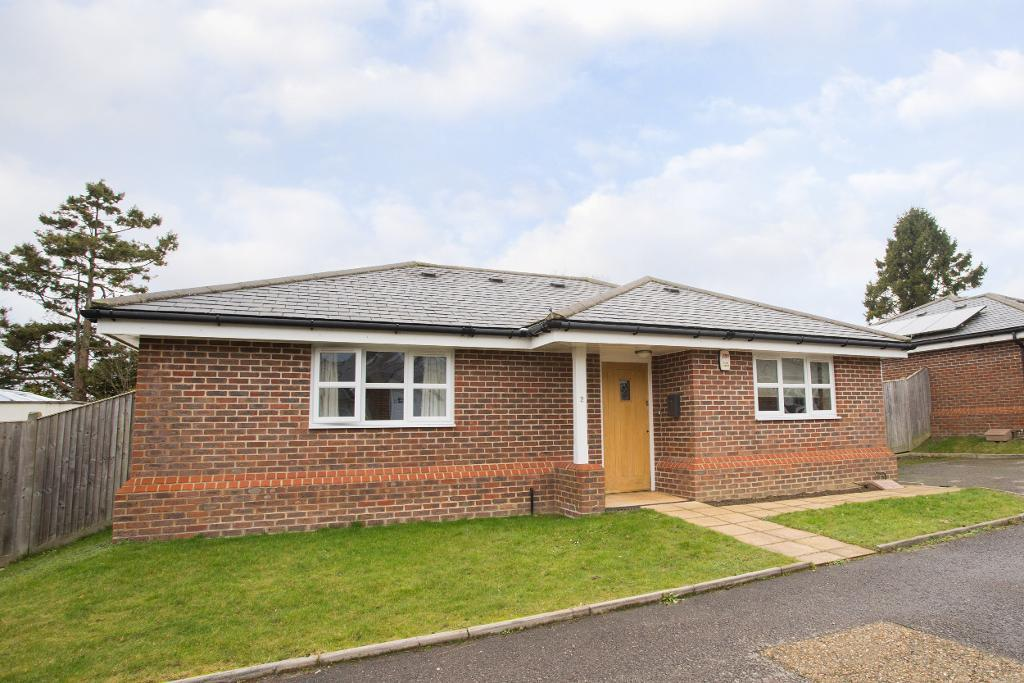 2 Bedrooms Detached House for rent in Lavender Heath Gardens, Hailsham road, Heathfield, East Sussex, TN21 8FH