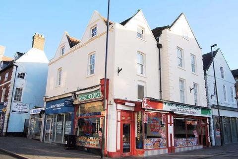 Studio to rent - Market Place, Grantham