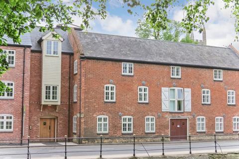 2 bedroom apartment for sale - Central Bourne