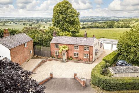 4 bedroom character property for sale - Main Street, East Farndon