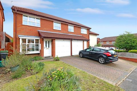 3 bedroom semi-detached house for sale - Hawley Close, Calcot, Reading