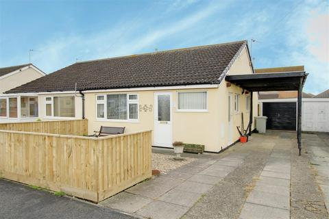 2 bedroom semi-detached bungalow for sale - The Strand, Mablethorpe