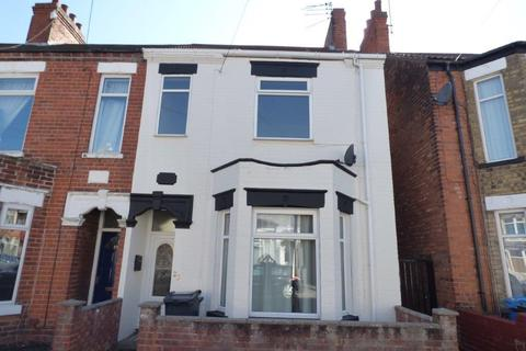 3 bedroom end of terrace house to rent - Westminster Avenue, Hull