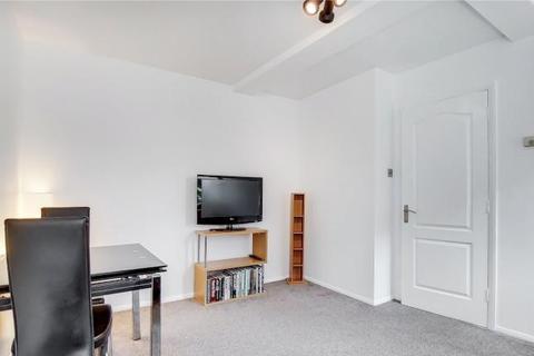 1 bedroom flat to rent - Memorial Avenue, E15