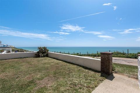 3 bedroom bungalow for sale - The Promenade, Peacehaven