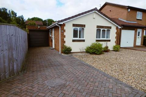 2 bedroom detached bungalow for sale - Stamfordham Close, Wallsend, Tyne And Wear, NE28