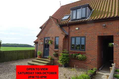 4 bedroom semi-detached house for sale - Queens Mead, Lund, Driffield