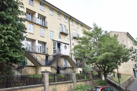2 bedroom apartment to rent - Saffron Court