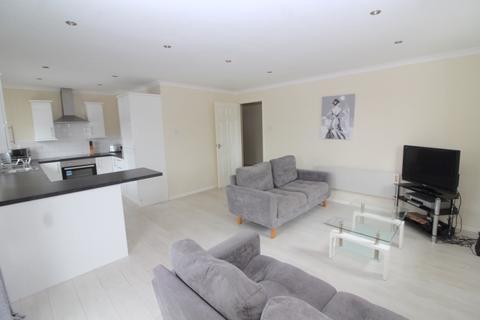 2 bedroom apartment to rent - Ambassador House, Trawler Road, Maritime Quarter, Swansea, West Glamorgan, SA1 1XZ