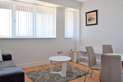 Studio to rent - Craneshaw House, 8 Douglas Road, Hounslow, TW3