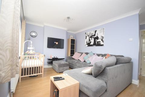 3 bedroom terraced house for sale - Longmore Avenue, Chelmsford, CM2 7NT