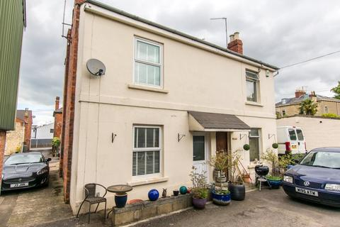 2 bedroom semi-detached house to rent - Croft Street, Leckhampton, Cheltenham, GL53 0ED