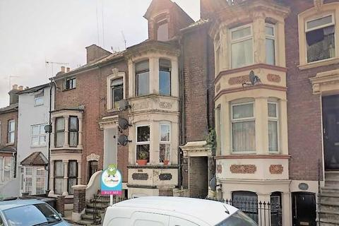 2 bedroom flat for sale - Napier Road, LUTON, Bedfordshire, LU1 1RF
