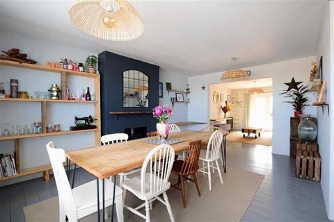 4 bedroom bungalow for sale - Victoria Avenue, Peacehaven, East Sussex