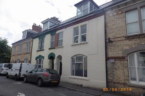 2 bedroom flat to rent - 13B Summerland Street