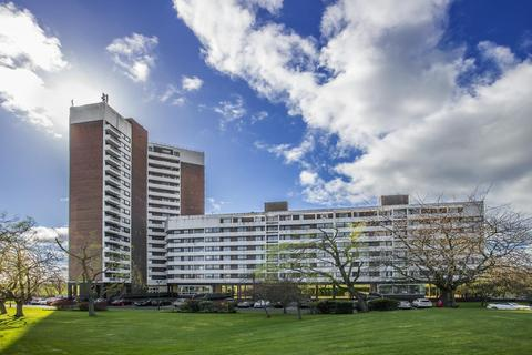 3 bedroom apartment for sale - Montagu Court, Newcastle Upon Tyne
