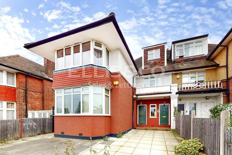 3 bedroom apartment to rent - Finchley Road, London, NW11