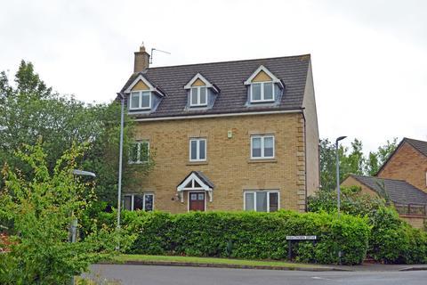 5 bedroom detached house to rent - Senna Drive, Towcester