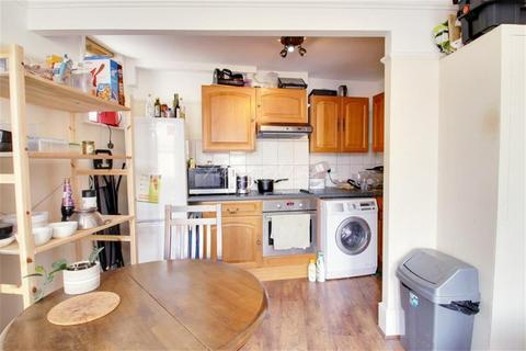 3 bedroom flat to rent - Frederick Street, WC1X