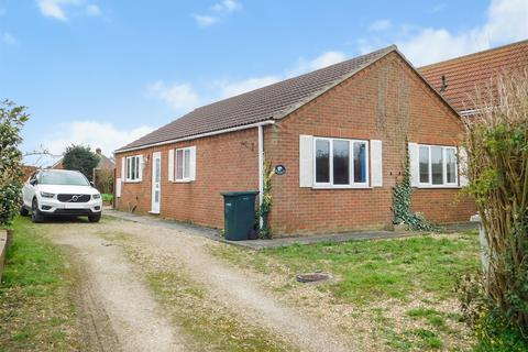 3 bedroom detached bungalow for sale - South Crescent, Chapel St. Leonards, Skegness, PE24 5RH