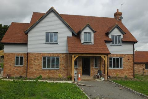 5 bedroom detached house to rent - Howbourne Lane, Buxted TN22