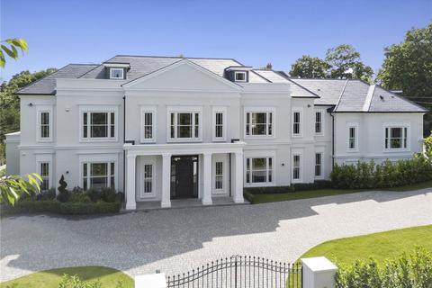 6 bedroom detached house for sale - Birds Hill Drive, Oxshott, Surrey, KT22