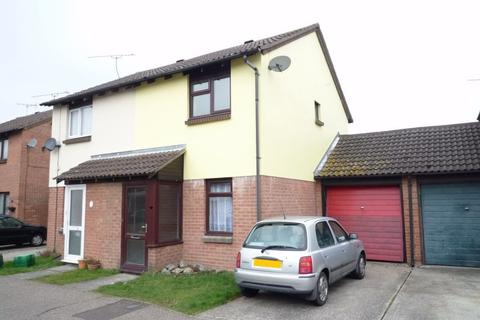 2 bedroom semi-detached house to rent - Bonington Chase, Springfield, CHELMSFORD, Essex