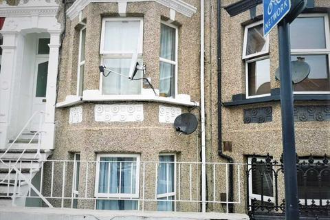 Studio to rent - Heverham Road, London