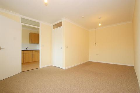 Studio to rent - New Road, Datchet, Berkshire