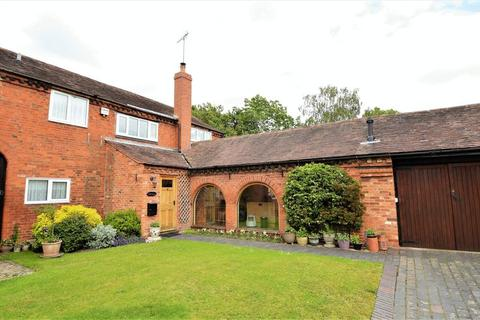 3 bedroom house for sale - Priory Court * Studley * B80 7BB