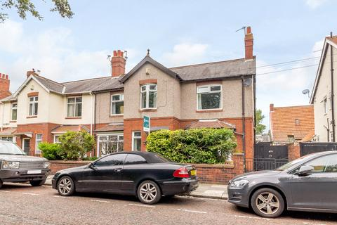 5 bedroom semi-detached house for sale - Rectory Drive, Gosforth, Newcastle Upon Tyne, Tyne & Wear