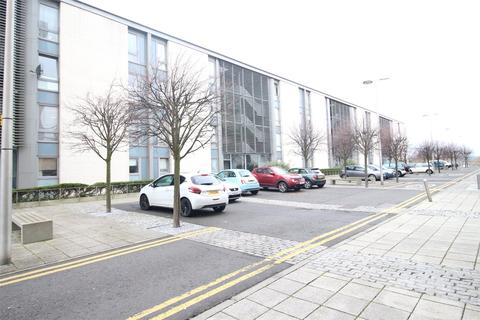 2 bedroom apartment to rent - Saltire Street, Edinburgh