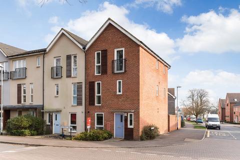 4 bedroom house to rent - Halifax Road, Bracknell, Berkshire