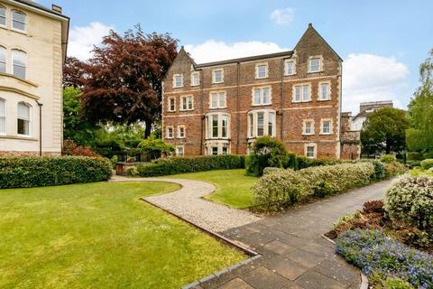 3 bedroom apartment for sale - The Avenue, Clifton