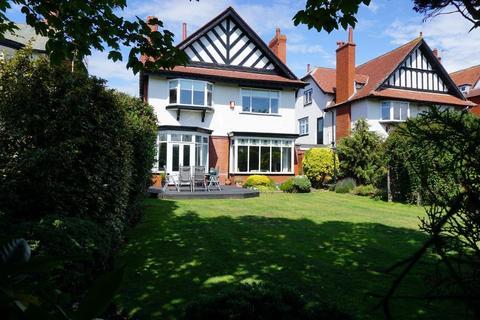 6 bedroom detached house for sale - Clifton Drive South, Lytham St Annes, Lancashire, FY8 1HU