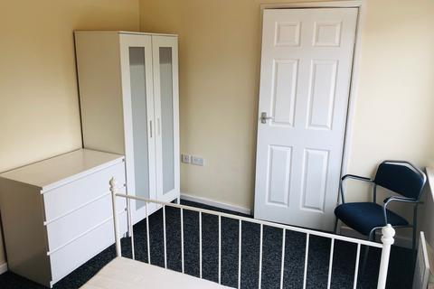 1 bedroom flat share to rent - with Ensuite - Portland Street , Walsall WS2