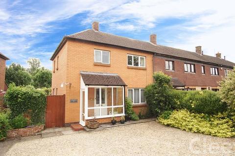 3 bedroom semi-detached house for sale - Millham Road, Cheltenham