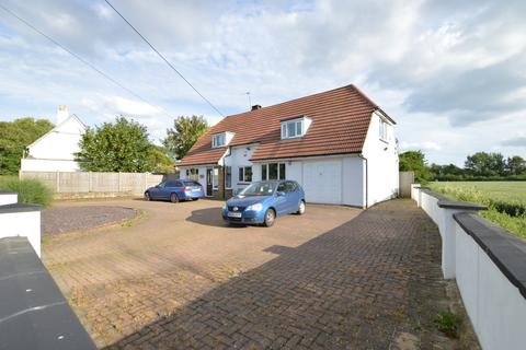 4 bedroom detached house to rent - Stanwell Road, Horton