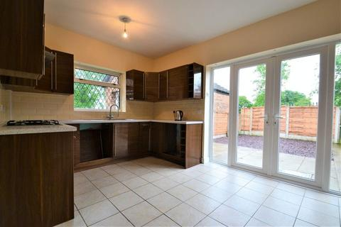 3 bedroom semi-detached house to rent - Kersal Avenue, Swinton, Manchester